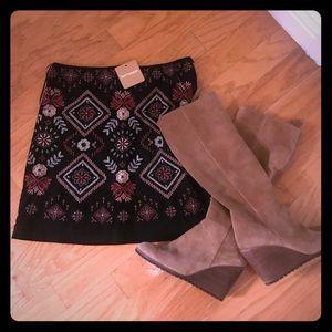 Embroidered mini skirt. NWT.